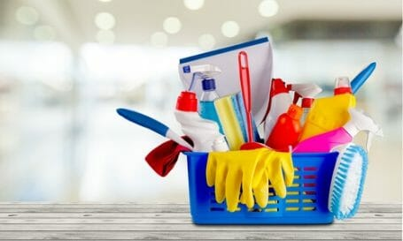 What are the benefits of hiring a cleaning service